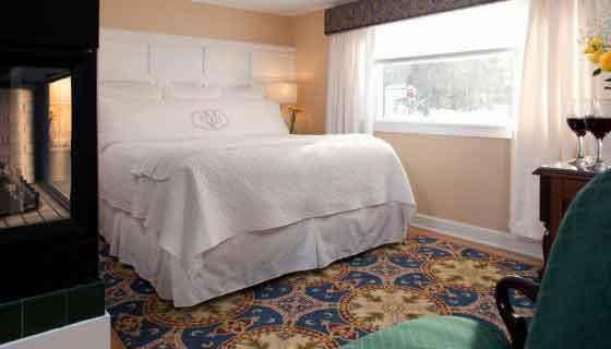 Romantic-Cottage-Suite-1